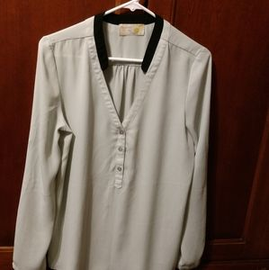 Paisley and ivy size medium blouse pale green